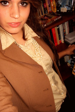 bronze thrifted vintage blazer - nude thrifted ann taylor blouse