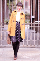 mustard sessun coat - brown vintage bag - off white nadinoo blouse