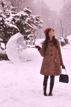 brick red nadinoo dress - light brown Orla Kiely coat