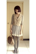t-shirt - dress - vest - tights - shoes - purse
