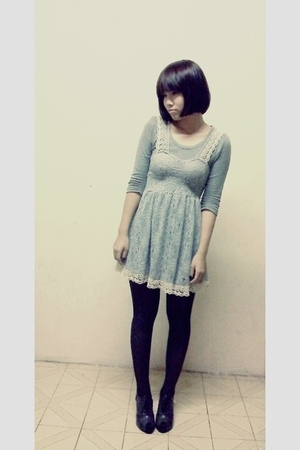 top - dress - tights - shoes