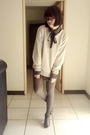 Green-shirt-silver-sweater-silver-tights-gray-shoes