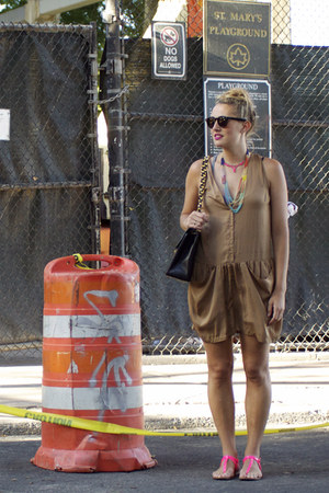 dark khaki draped romper H &amp; M romper - black Chanel bag - hot pink Zara sandals