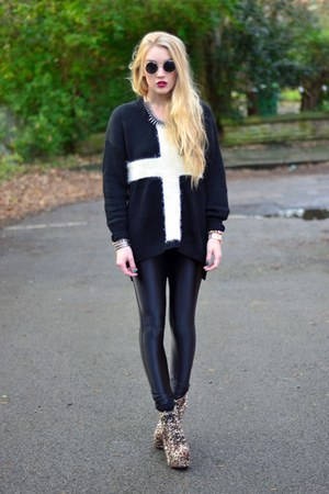 black cross print AX Paris jumper - mustard Boohoo boots