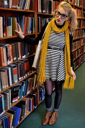 mustard vintage scarf - tawny Office boots - white popcouture dress