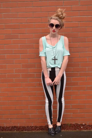 light blue Pop Couture top - black patent creepers vintage shoes