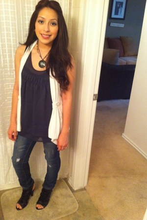 white shawl top - distressed PacSun jeans - floral vintage necklace