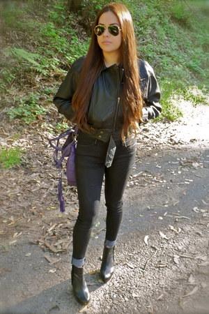 black booties Zara boots - black skinny jeans Levis jeans