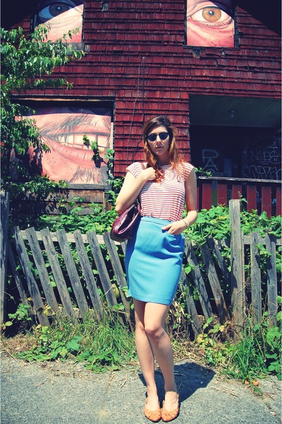 red vintage from Retro Rock t-shirt - blue vintage skirt - brown vintage shoes -