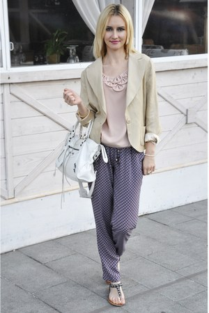 Sultanna Frantsuzova blazer - balenciaga bag - Zara pants