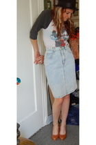 vintage t-shirt - jordache skirt - vintage hat - seychelles shoes