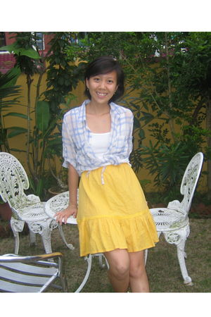 blue pushcart stores top - white cotton on shirt - gold thrifted skirt