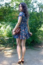 gray floral ruffled dress - burnt orange purse - brick red sunglasses