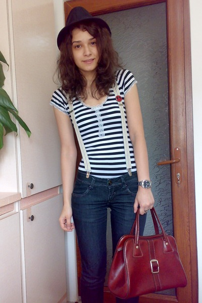 brown vintage bag - red shoes - blue rolled up jeans - black shirt - brown