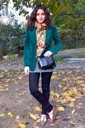 black skinny pants - green velvet trifted blazer - gold butterflies scarf