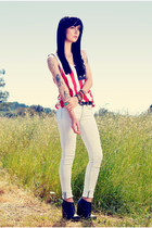 Urban Outfitters t-shirt - Jeffrey Campbell boots - rag & bone jeans