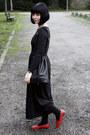 Black-maxi-dress-heather-gray-alice-pig-coat-black-vintage-bag
