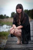 black evil twin shirt - beige Sportsgirl shoes