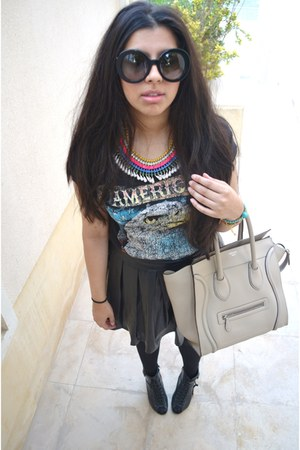 luggage Celine bag - baroque Prada sunglasses - graphic Forever21 t-shirt