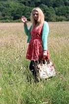 coral lavish alice dress - ivory Disaster Designs bag