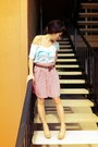 Red-pleated-vintage-skirt-light-blue-american-eagle-t-shirt