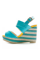 Colour-of-cocktail-sandals