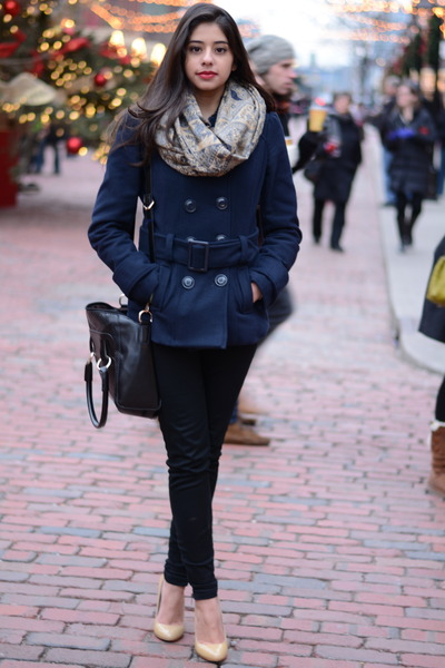 navy fur collar H&M coat - tan Steve Madden heels - black skinny Aritzia pants