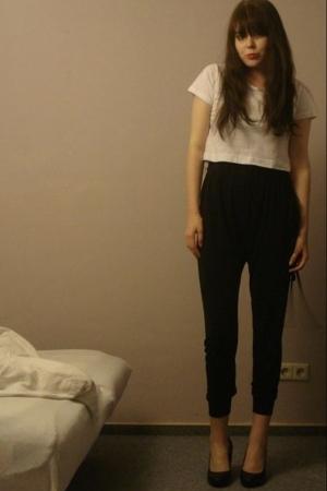 black harem pants Topshop - black wedges H&M - white crop tee H&M