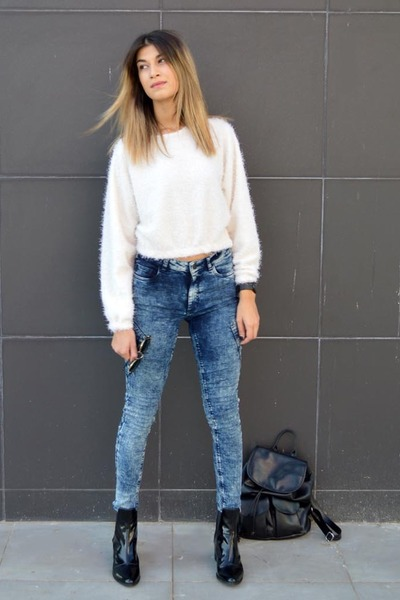 fluffy anthom sweatshirt - patent leather Zara boots - acid wash gestuz jeans