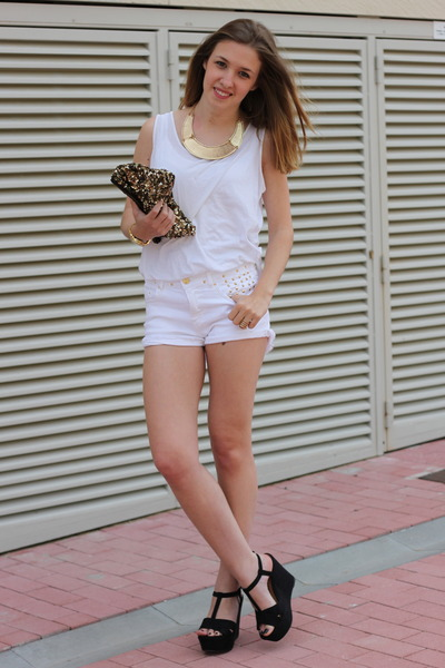 white Zara shorts