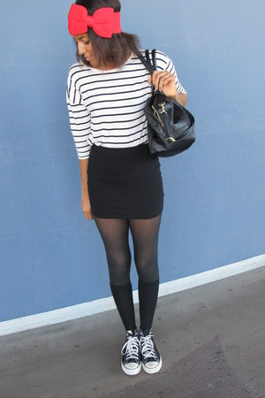ivory H&M shirt - black oversized bag H&M bag - black mini H&M skirt