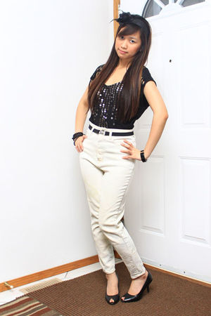 black Forever 21 top - beige Thrift Store jeans - black Aldo shoes - black Suzy