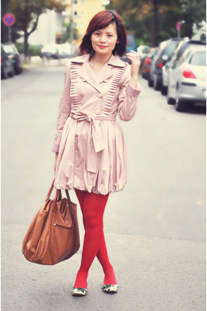 pink coat - red tights - beige bag