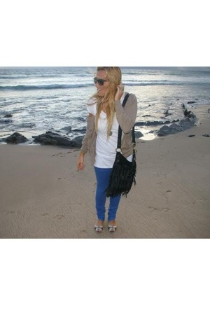 Zara sweater - H&M t-shirt - Zara jeans - Zara purse