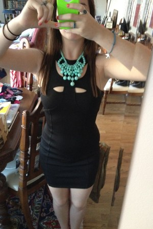 bib Charlotte Russe necklace - black asos dress