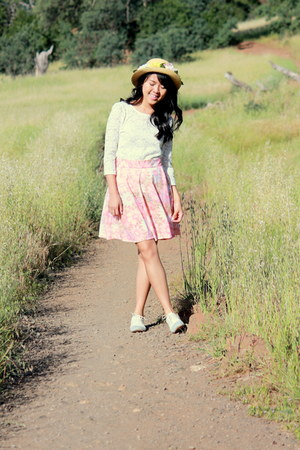 light pink circle DIY skirt - white lace top