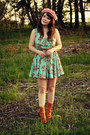 Tawny-wolverine-1000-mile-boots-aquamarine-urban-outfitters-dress
