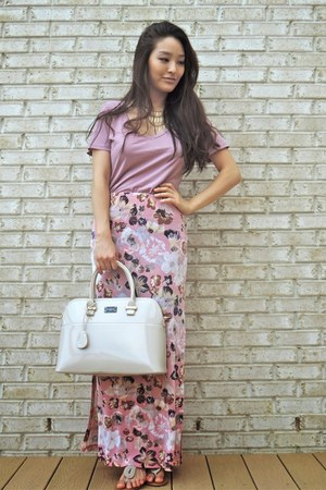 bubble gum BCBG skirt - tan patent pauls boutique bag
