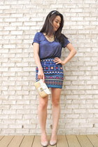 navy tribal print Forever 21 skirt - white wristlet coach bag