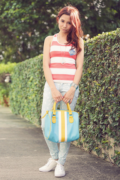 white vanity world balance sneakers - sky blue xavier BAGS IN THE CITY bag