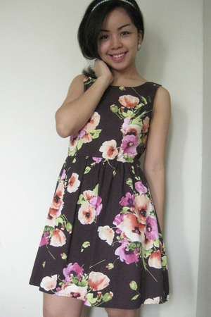 brown Greenhills dress