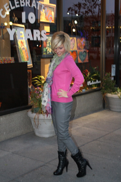 hot pink H&M sweater - heather gray H&M pants