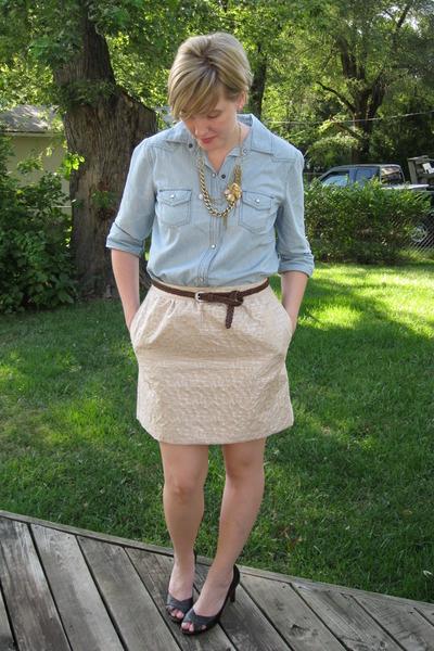 gold metallic belt. gold metallic Loft skirt