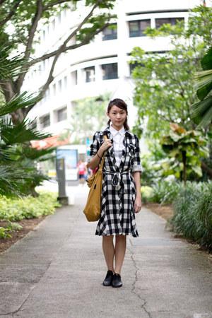 baggu bag - Shu Bar shoes - Uniqlo shirt