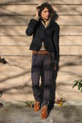 Navy-banana-republic-blazer-nude-jcrew-cardigan-navy-pants-tawny-h-m-shoes