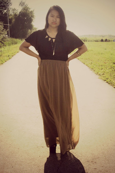 Sugarlips blouse - Forever21 skirt - Urban Outfitters wedges