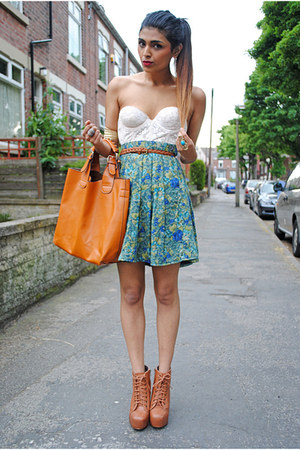 floral skater Youwearfashion skirt - Zara bag - vintage bra