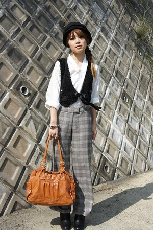 no brand hat - SHIPS pants - vintage blouse