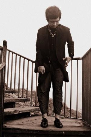 black exotic skin Christian Loubutin shoes - black clean shape Zara coat