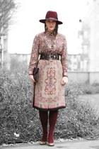 burgundy hat Parfois hat - vintage paisley vintage for ever dress